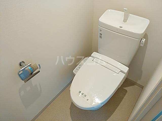 フォレスト西大路五条 304号室のトイレ