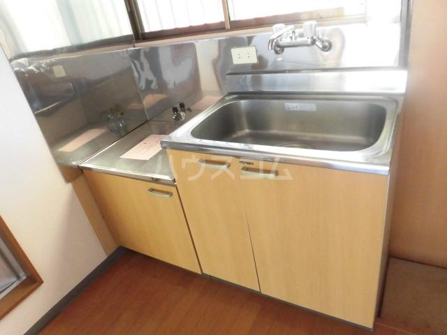 宮本コーポ 203号室のキッチン