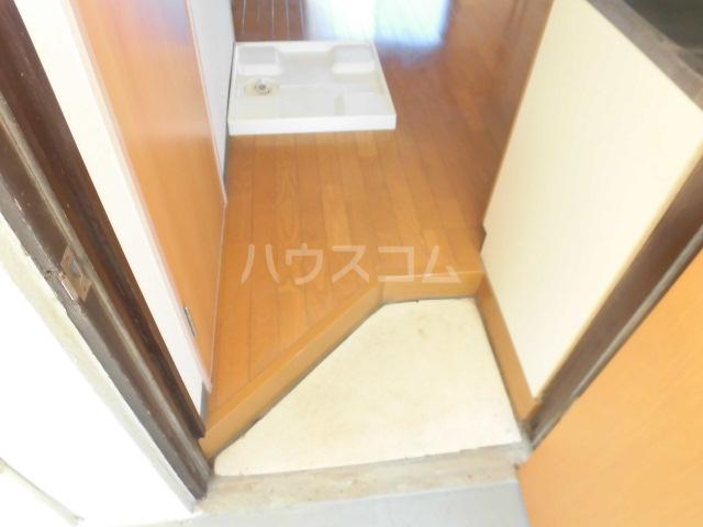 宮本コーポ 203号室の玄関