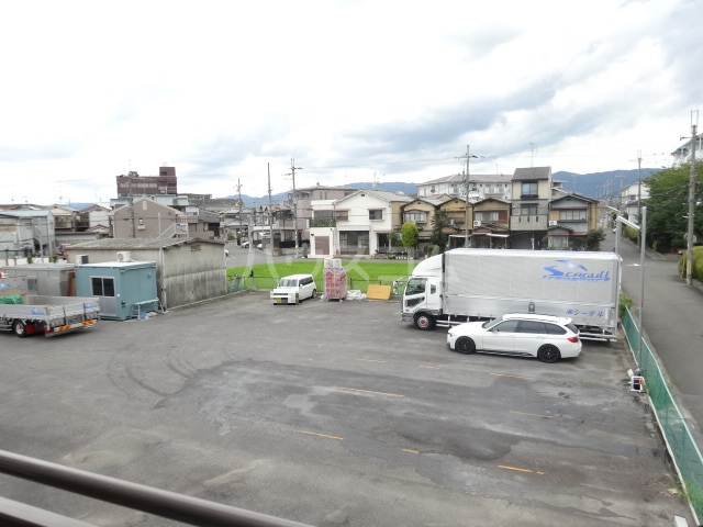 アメニティ45 B105号室の駐車場