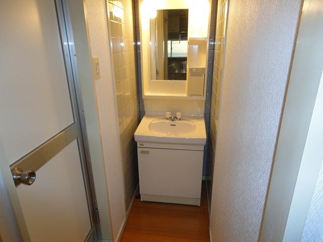 アクティハイム壱番館 201号室の洗面所