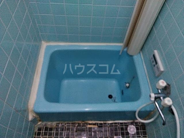 太秦一ノ井町貸家の風呂