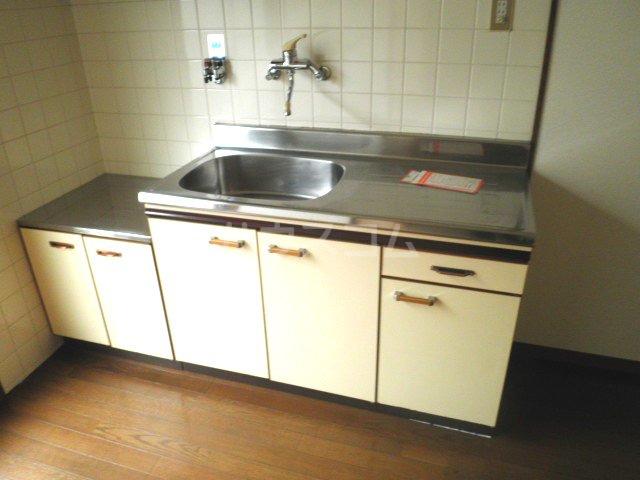 福本ハイツ1 101号室のキッチン