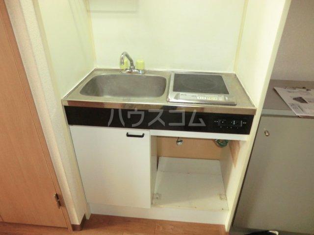 ハーバーレジデンスKANAJYU 103号室のキッチン