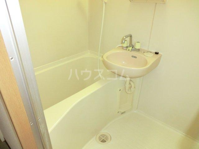 ハーバーレジデンスKANAJYU 103号室の風呂