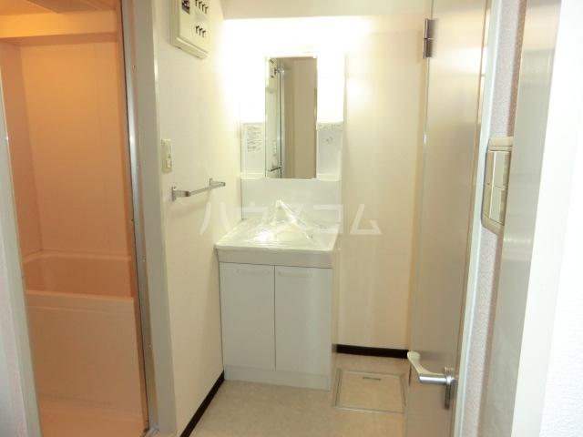 セントエルモ高石 605号室の洗面所