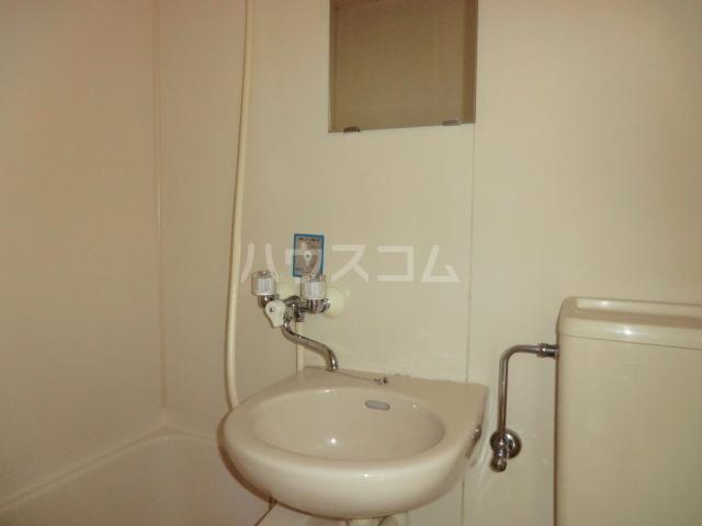 ラフォーレ助松 3B号室の洗面所