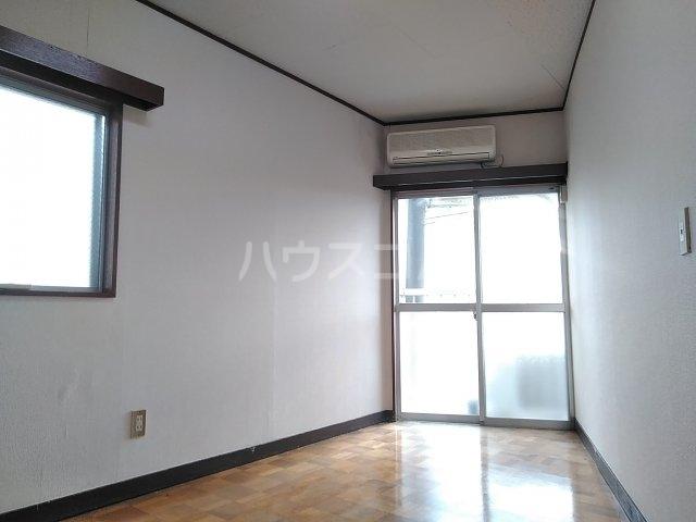 加藤コーポ 202号室のリビング