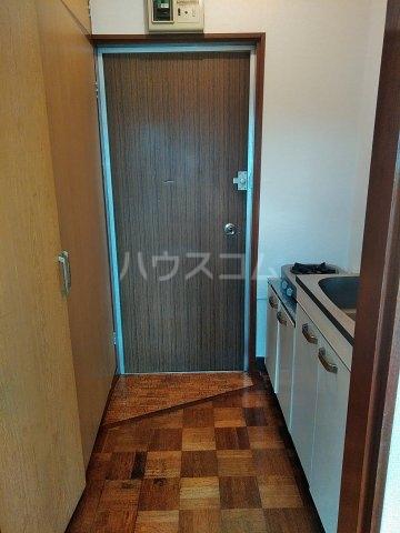 加藤コーポ 202号室の玄関