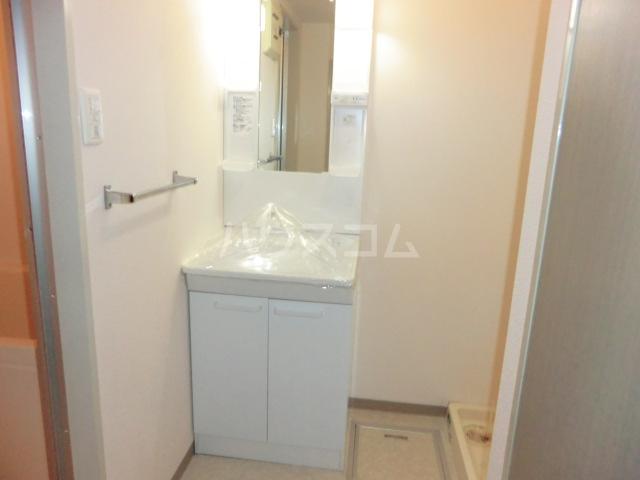 セントエルモ高石 505号室の洗面所