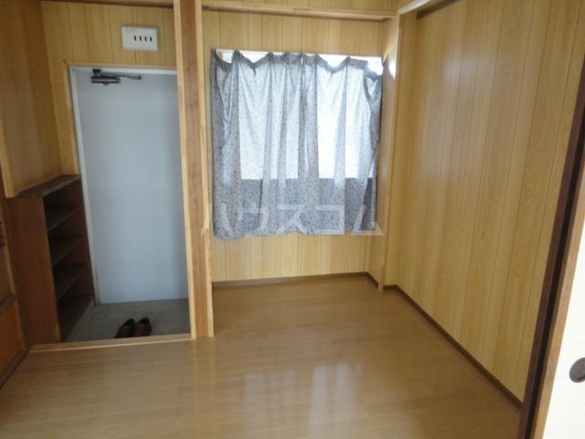 千萩マンションB棟 204号室の居室