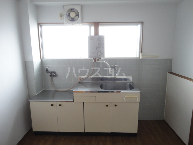 千萩マンションB棟 204号室のキッチン