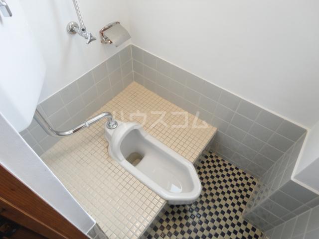 千萩マンションB棟 204号室のトイレ