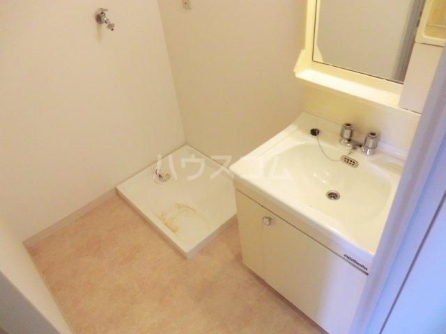 第一森ビル 302号室の洗面所