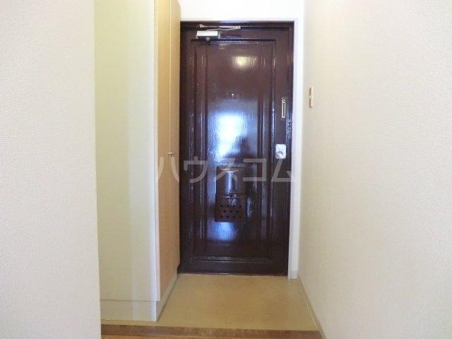 第一森ビル 302号室の玄関