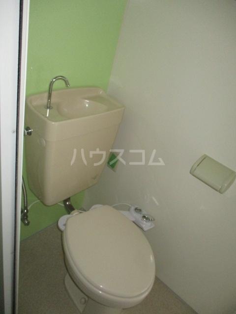 クレープマートル 306号室のトイレ