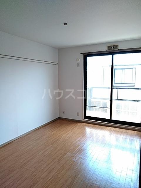 セゾンクレベールC棟 206号室の居室