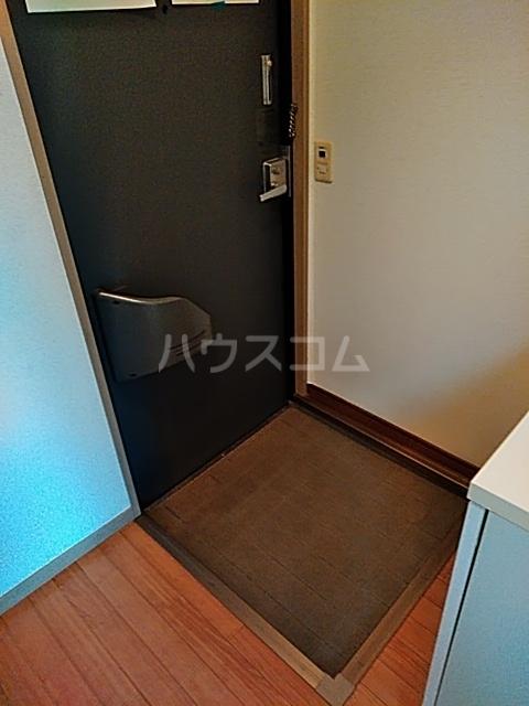 セゾンクレベールC棟 206号室の玄関