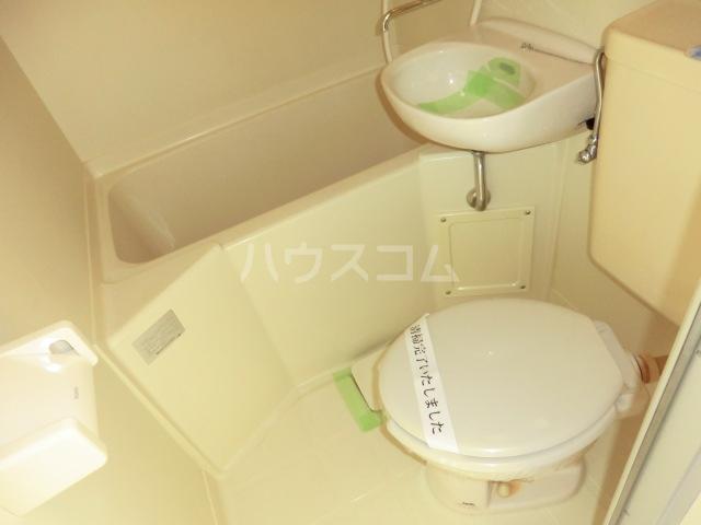 リベルテヴィラ 103号室のトイレ