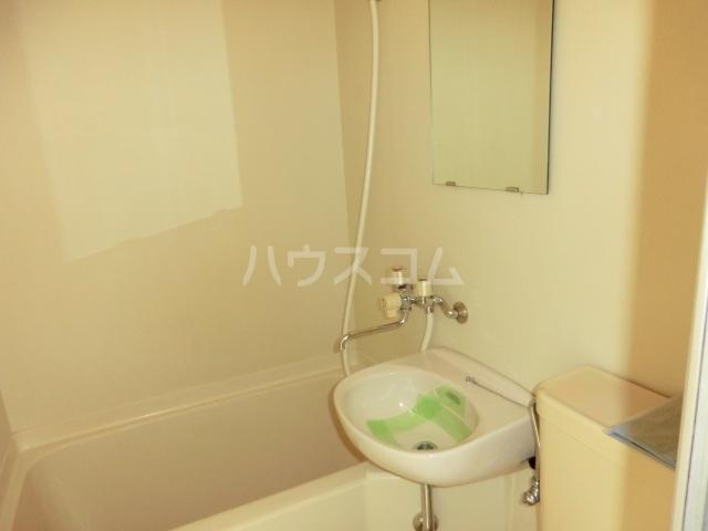 リベルテヴィラ 103号室の洗面所