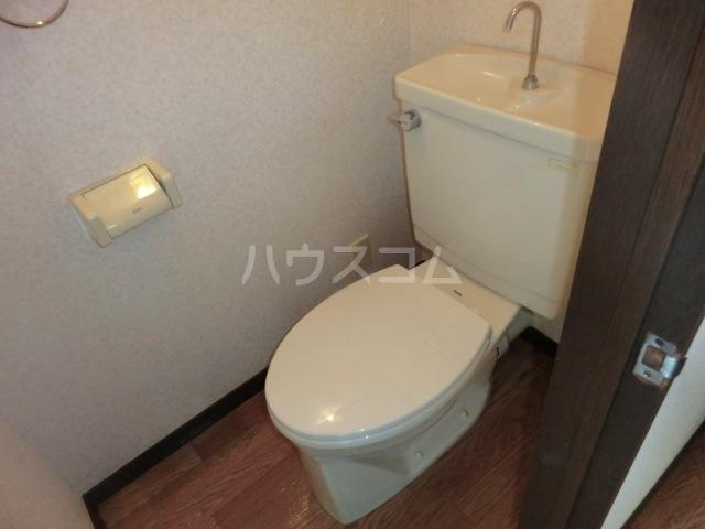 フィアテル岸和田 102号室のトイレ