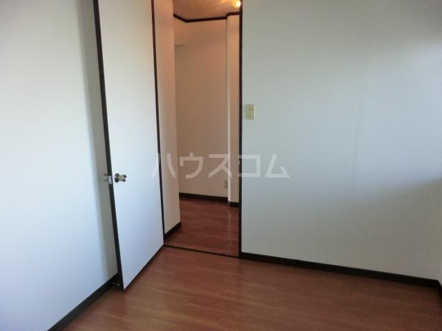 フィアテル岸和田 102号室の収納