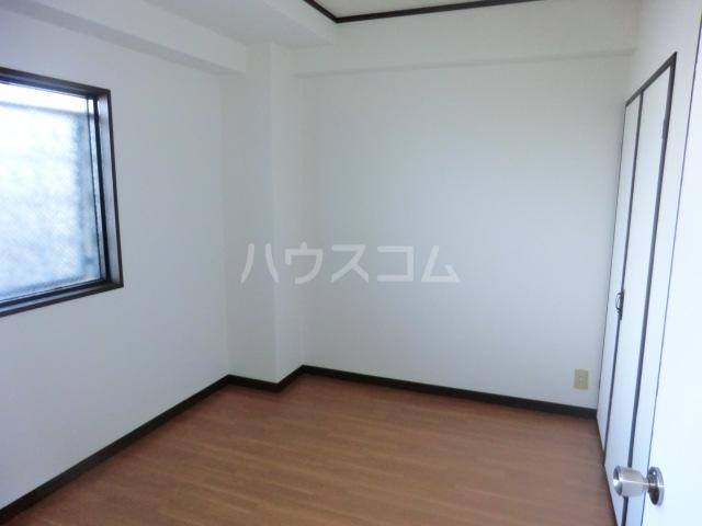 フィアテル岸和田 102号室のベッドルーム