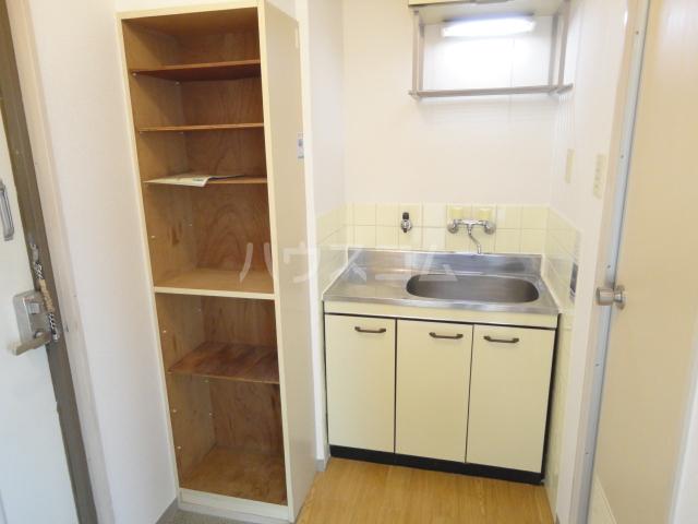 グランビルド松ノ浜 302号室のキッチン