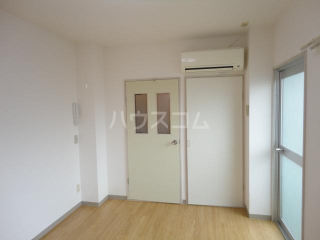 グランビルド松ノ浜 302号室のベッドルーム
