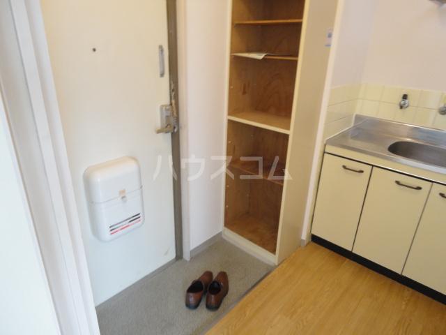 グランビルド松ノ浜 302号室の玄関