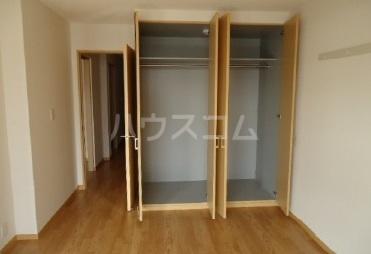 スーヴェラン・駒越 103号室の収納
