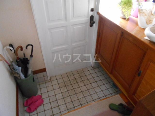 マ・シャンブル大野 203号室の玄関