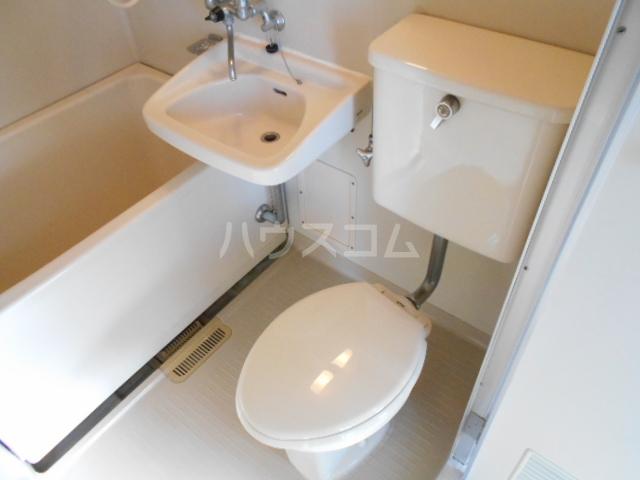 マ・シャンブル大野 203号室のトイレ
