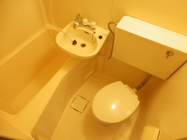 ヴィラ国立 202号室の風呂
