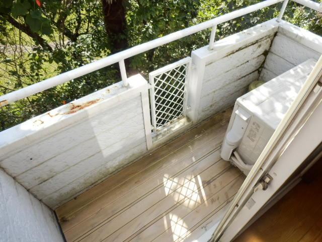 ヴィラ国立 202号室のバルコニー