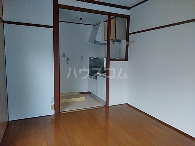 吉田荘 202号室のリビング