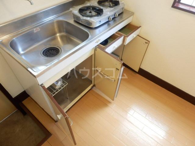 第2コーポラス三田 103号室のキッチン
