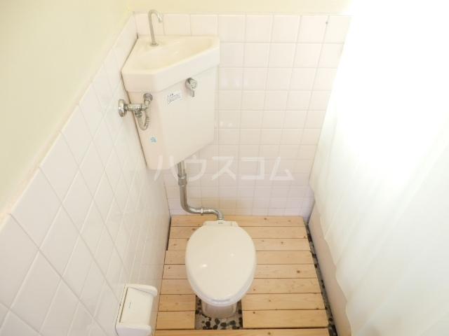 第2コーポラス三田 103号室のトイレ
