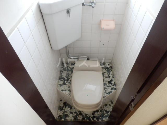 第2コーポラス三田 206号室のトイレ