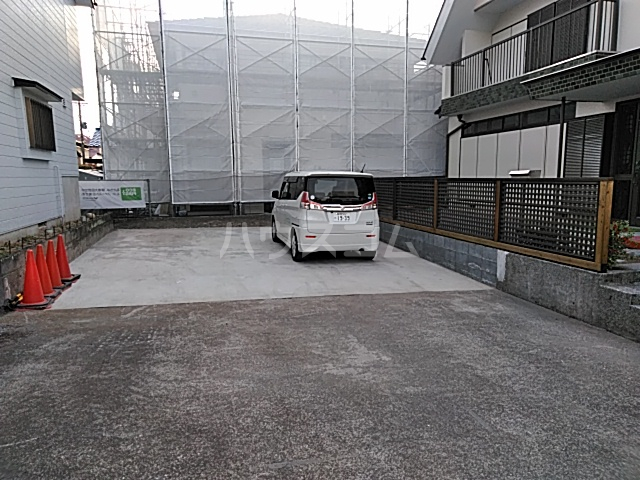小杉様中之郷戸建ての駐車場