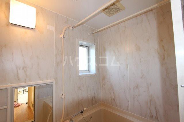 ハイツエバーグリーン 101号室の風呂