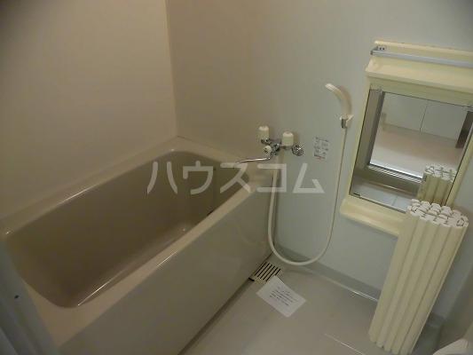 アレグリア 201号室の風呂