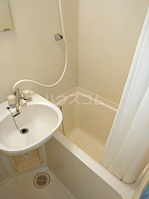 DOM二子新地 101号室の風呂