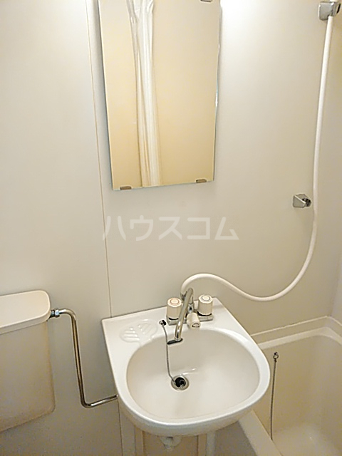 DOM二子新地 101号室の洗面所