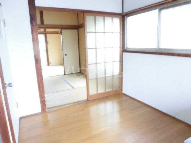 第3矢嶋荘 203号室のリビング