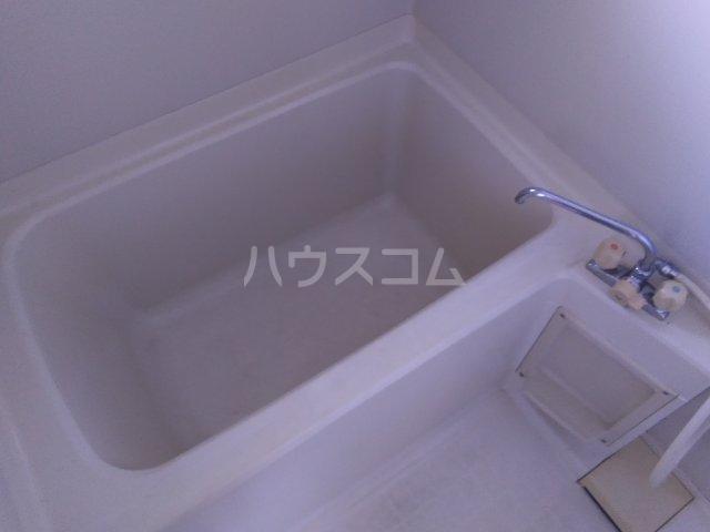 マロン・ドゥムール 403号室の風呂