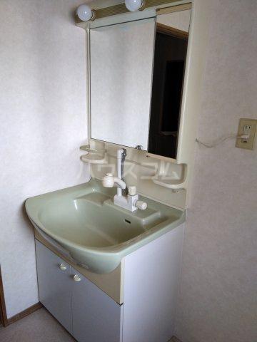 マロン・ドゥムール 403号室の洗面所