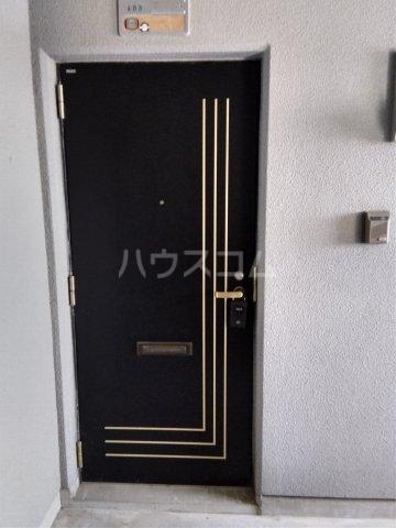 マロン・ドゥムール 403号室の玄関