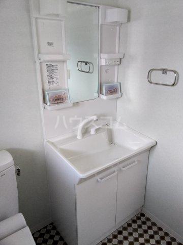 レスカール二本松 102号室の洗面所