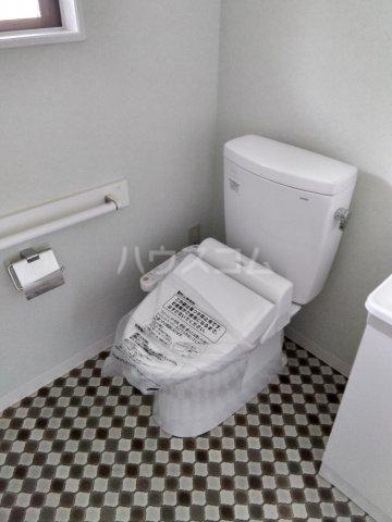 レスカール二本松 102号室のトイレ